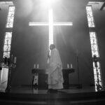 Chi retribuisce i sacerdoti per il loro operato?